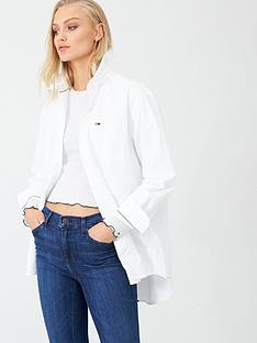 tommy-jeans-classics-boyfriend-fit-shirt-white