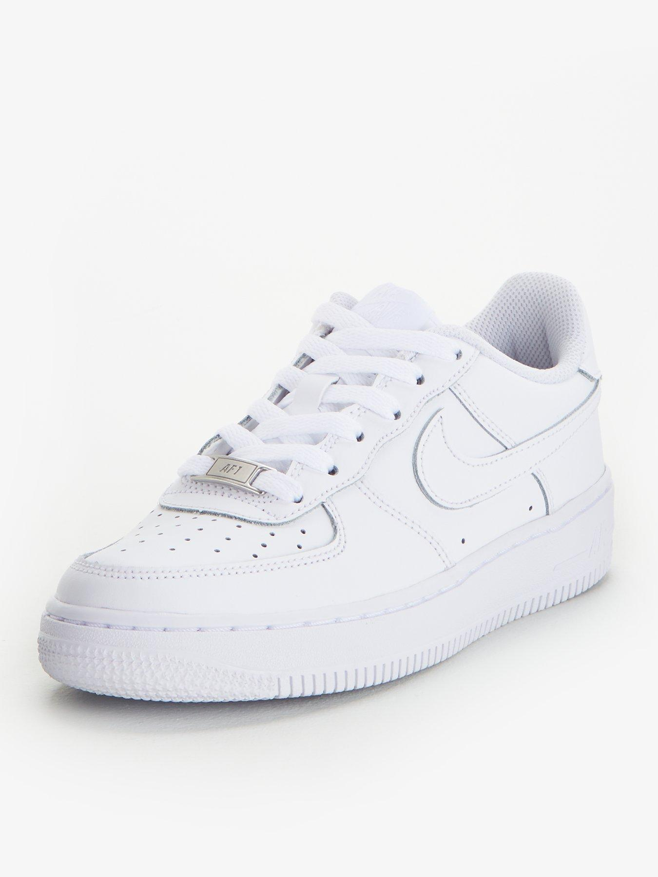 junior size 3 velcro trainers real