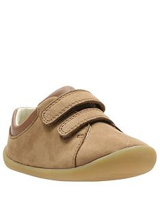 clarks-roamer-craft-first-shoes-tan
