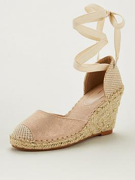 v-by-very-bea-closed-toe-wedge-gold