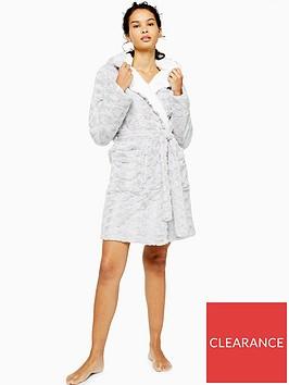 topshop-short-swirl-faux-fur-robe-grey