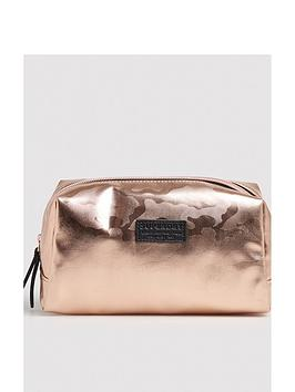 superdry-medium-wash-bag-pink-camonbsp