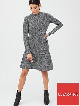 warehouse-spot-print-tiered-flippy-dress