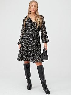 wallis-ditzy-dobby-floral-fit-amp-flare-dress-black