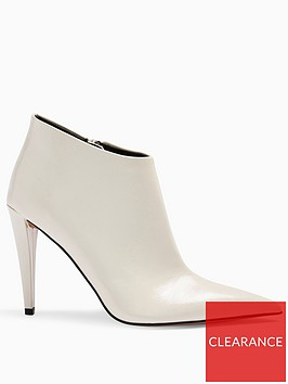 topshop-harlow-pointed-high-heel-boots-white