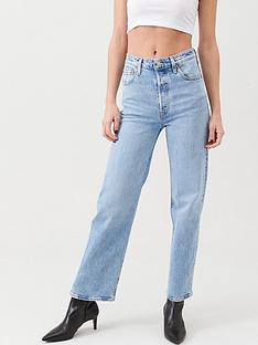 levis-ribcage-straight-ankle-jean-denim