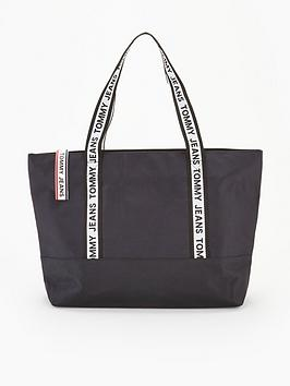 tommy-jeans-logo-tape-nylon-tote-bag-black