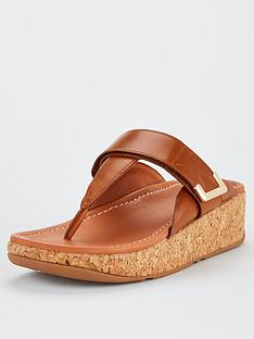 fitflop-remi-toe-post-adjustable-strap-wedge-sandals-light-tan