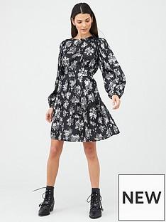 v-by-very-printed-skater-dress-black-floral