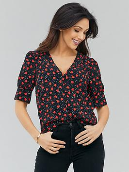 michelle-keegan-pleated-shoulder-sleeve-blouse-print