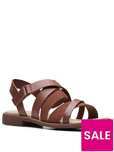 clarks-declan-mix-flat-sandal-mahogany