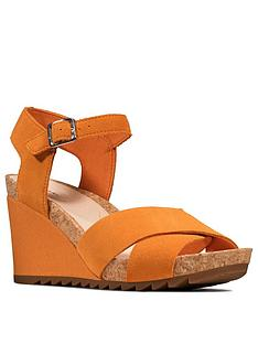 clarks-flex-sun-leather-ankle-strap-wedge-sandal-amber