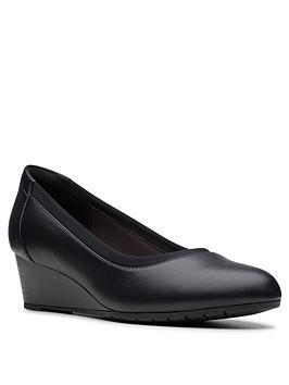 clarks-mallory-berry-wedge-shoe-black