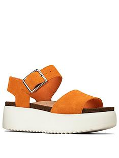 clarks-botanic-strap-leather-wedge-sandal-amber