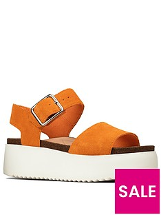 clarks-botanic-strap-leather-wedge-sandal-amber