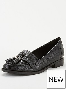 wallis-tassel-loafer-black