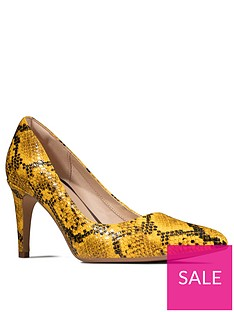 clarks-laina-rae-court-shoe-yellow