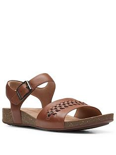 clarks-un-perri-way-leather-flat-sandal-dark-tan