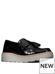 clarks-trace-tassel-leather-wedge-shoe-black-croc