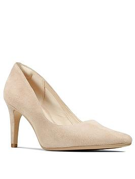 clarks-laina-rae-heeled-court-shoe-blush