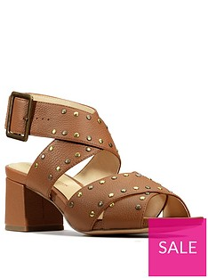 clarks-sheer55-buckle-leather-block-heel-sandal-tan