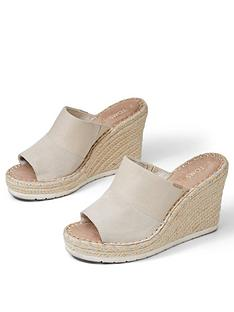 toms-monica-shimmer-mule-wedge-sandal-natural