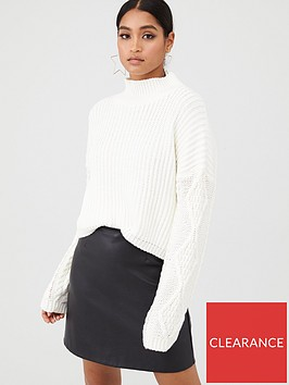 in-the-style-in-the-style-x-fashion-influx-cable-sleeve-oversized-knitted-jumper-cream