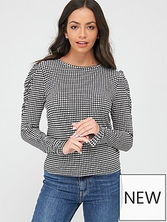 warehouse-check-print-tiered-top-monochrome