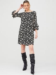 wallis-daisy-double-flute-sleeve-dress-black