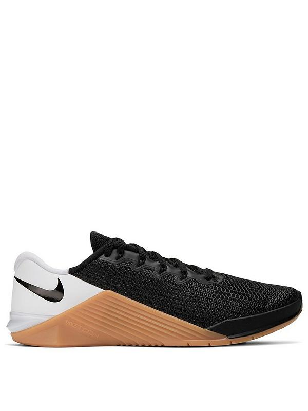 Polémico postura Indígena  Nike Metcon 5 - Black/White/Gum | very.co.uk