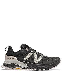 new-balance-hierro-trail-blackwhite