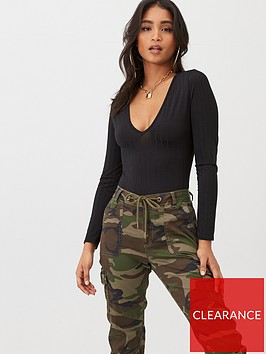 boohoo-boohoo-recycled-wide-rib-deep-v-front-bodysuit-black