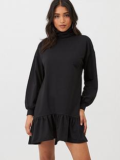 boohoo-boohoo-roll-neck-drop-hem-sweatshirt-dress-black