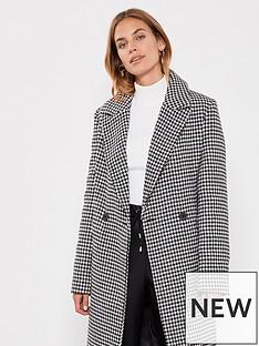 mint-velvet-houndstooth-chuck-on-coat