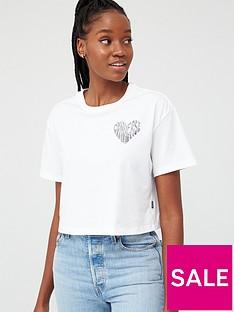 converse-left-chest-heart-cropped-t-shirt-whitenbsp