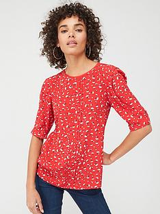 oasis-ditsy-heart-tuck-sleeve-top-mid-red