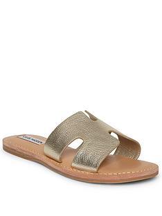 steve-madden-grayson-flat-sandal