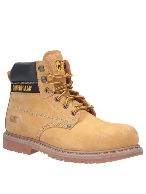 cat-powerplant-boots-sand