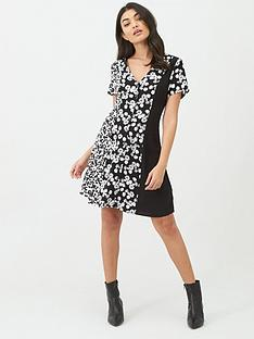 calvin-klein-jeans-floral-blocking-short-sleeve-dress-black
