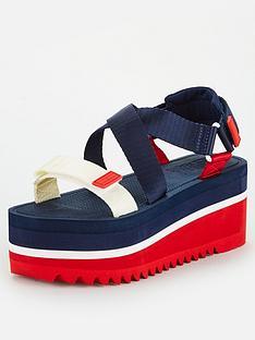 tommy-jeans-pop-colour-flatform-sandal-navy