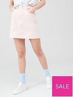 levis-deconstructed-iconic-boyfriend-skirt