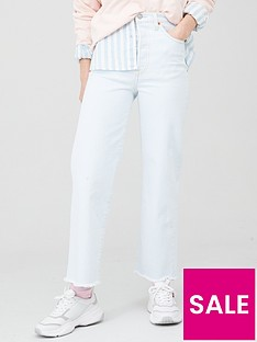 levis-ribcage-straight-ankle-jean-light-wash