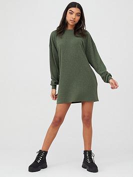 boohoo-boohoo-crew-neck-ribbed-sweater-dress-khaki