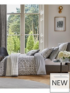 bedeck-of-belfast-dhaka-quilted-throw