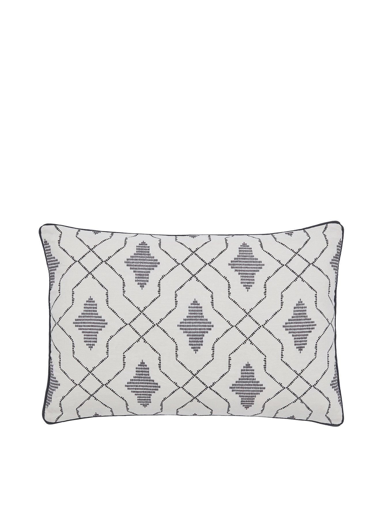 SAM SMITH LUXURY SATIN CUSHION COVER CAN BE PERSONALISED FAST POSTAGE