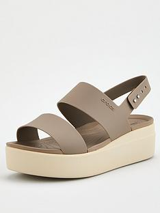 crocs-brooklyn-low-wedge-sandal-mushroom