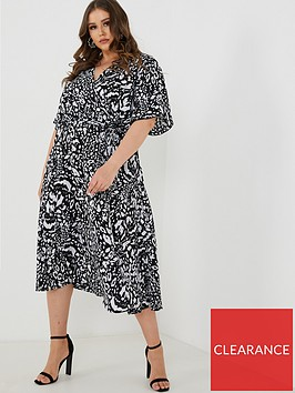 quiz-curve-black-and-cream-leopard-print-wrap-dress-black