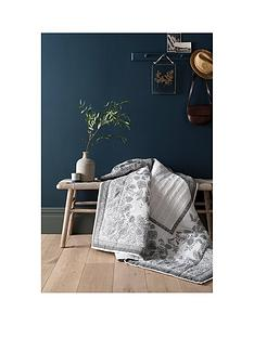 fat-face-tapestry-tile-100-cotton-throw