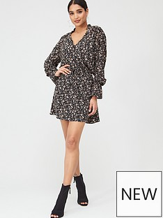 in-the-style-in-the-style-x-stephsa-ditsy-floral-button-down-dress-black