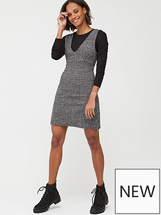v-by-very-houndstooth-pinafore-dress